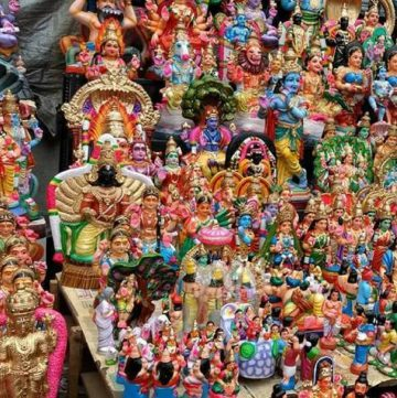 The significance of Navaratri Golu and How To Keep It, including how to arrange the various Bomma Kollu dolls on the golu stand as per tradition and custom