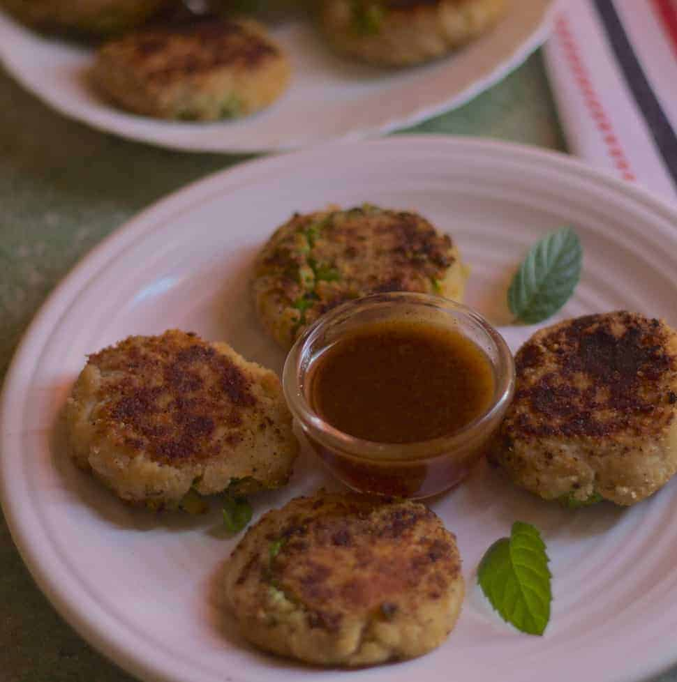 Indian Street Food Aloo Tikki Recipe: Indian Crispy Potato Patties